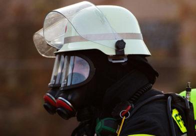 Gemeldeter Dachstuhlbrand in einem Mehrfamilienhaus!
