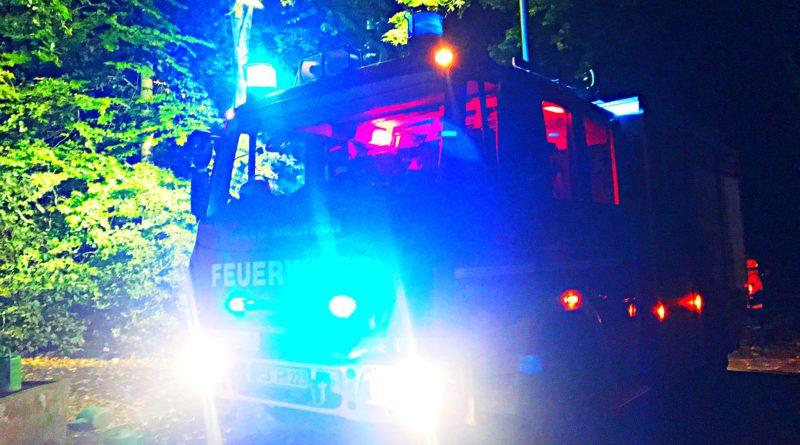 Der Löschzug wurde am späten Donnerstagabend zu einem Dachstuhlbrand alarmiert!